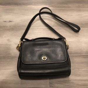 Vintage Coach leather crossbody purse Court black